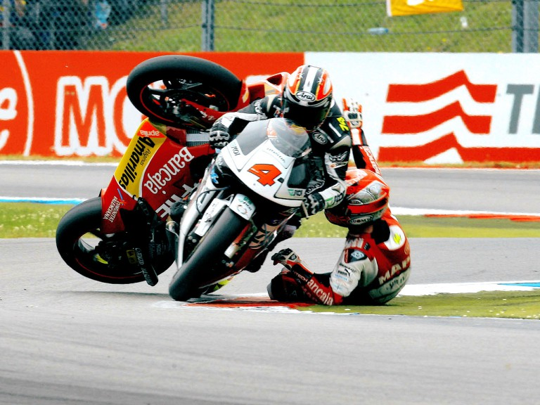 Alvaro Bautista crashes during 250cc race in Assen