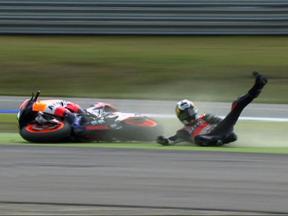 Dani Pedrosa crash during race in Assen