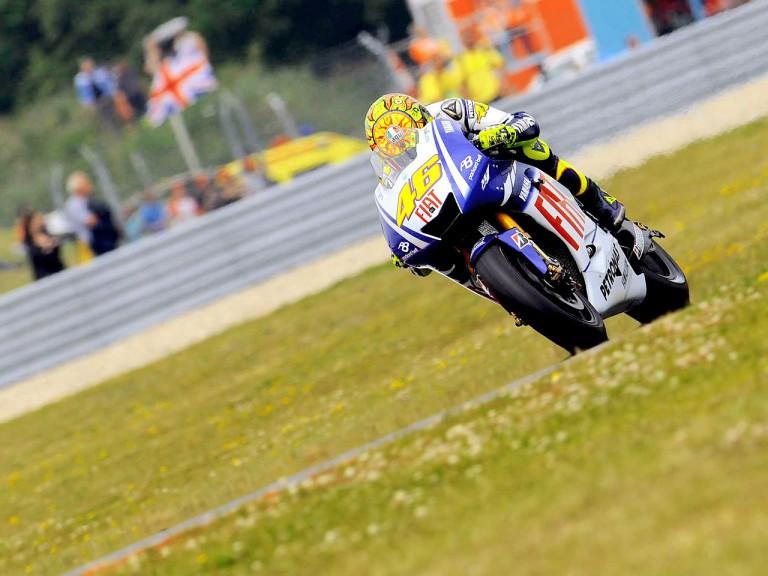 Valentino Rossi ina ction in Assen