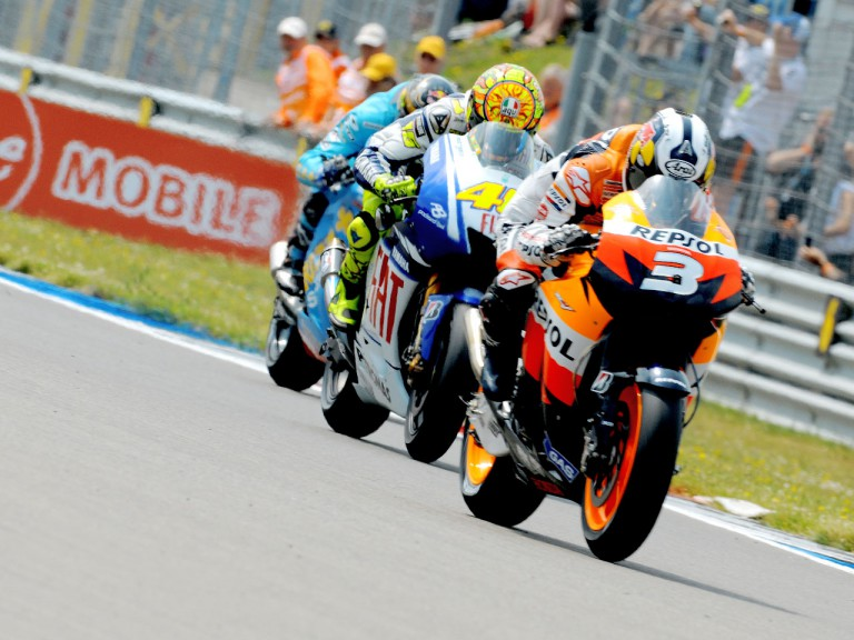 Dani Pedrosa riding ahead of Valentino Rossi and Chris Vermeulen at the start of the race in Assen
