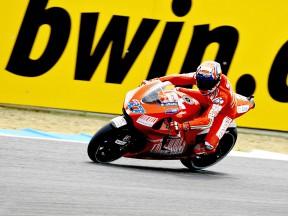Casey Stoner in action in Estoril