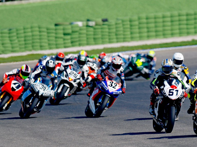 Moto2/Formula Extreme action in Valencia