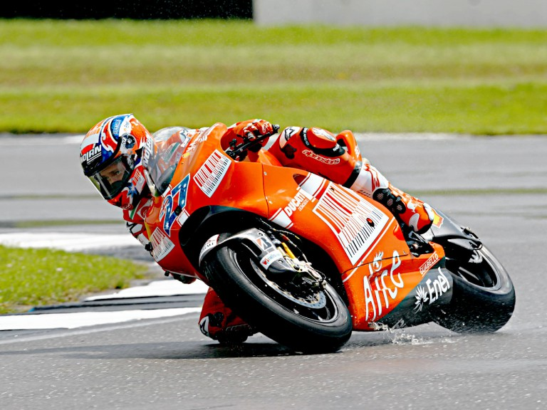 Casey Stoner in action in Donington