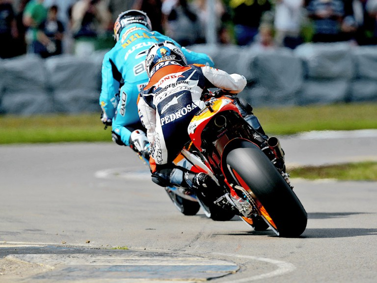 Dani Pedrosa an Chris Vermeulen in action in Donington