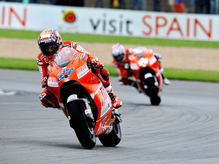 Stoner and Hayden in action in Donington