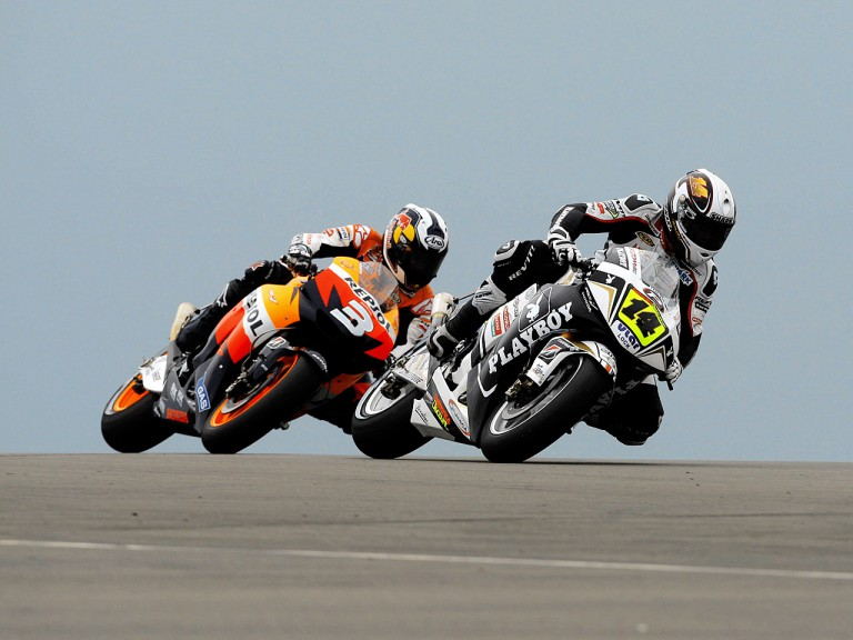 Dani Pedrosa chasing Randy de Puniet in Donington