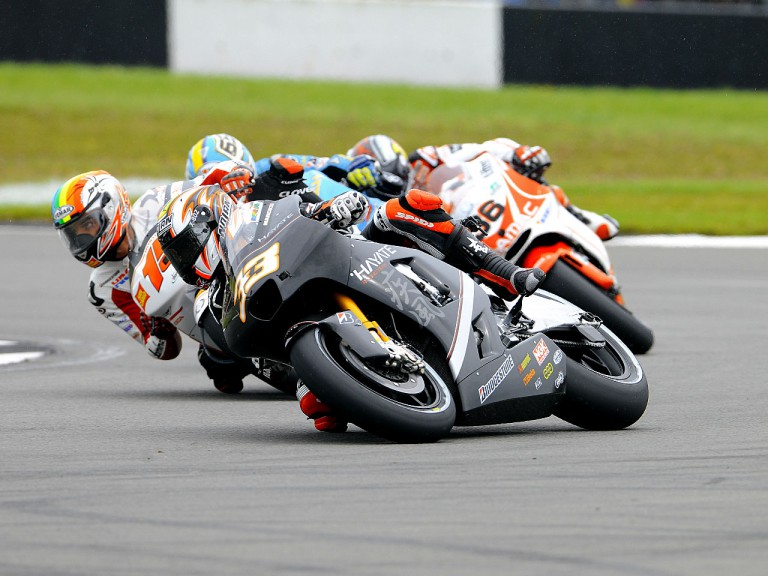 Marco Melandri riding ahead of MotoGP group in Donington