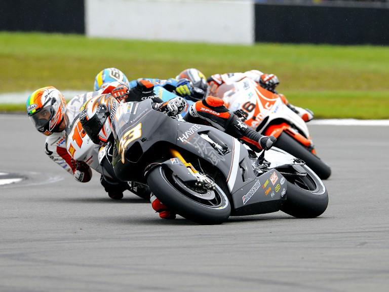 Marco Melandri riding ahead of MotoGP group in Donington