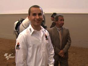 Lorenzo visits Vienna's Spanish Riding School