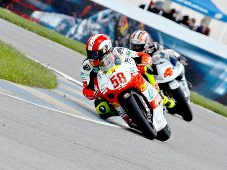 Simoncelli riding ahead of ahoyama in Indianapolis