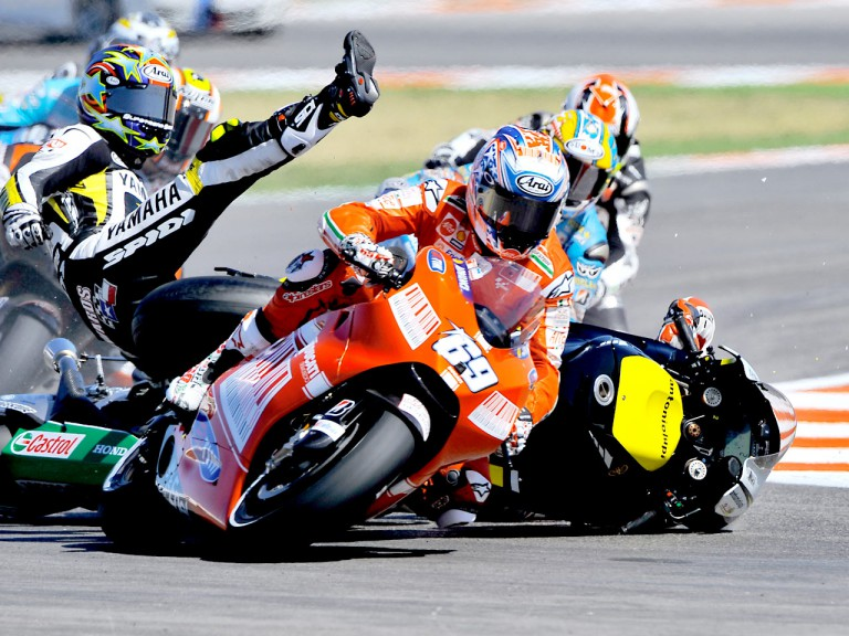 Hayden, Edwards and De Angelis crash during MotoGP race in Misano