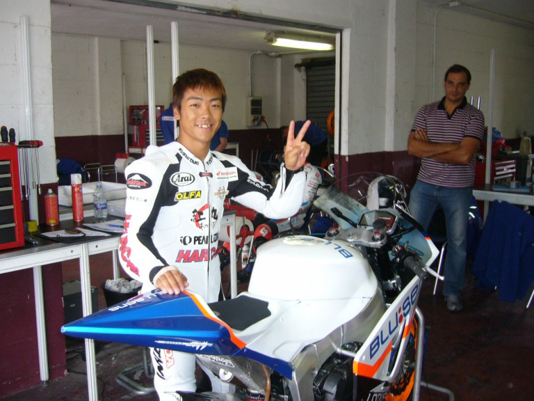 Shuhei Aoyama at the Albacete circuit to test BQR's Moto2 machine