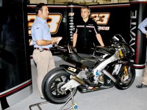 Andrea Dosoli presents Melandri´s Kawasaki Ninja ZX-RR´09