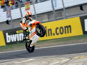 Marco Simoncelli in action in Estoril