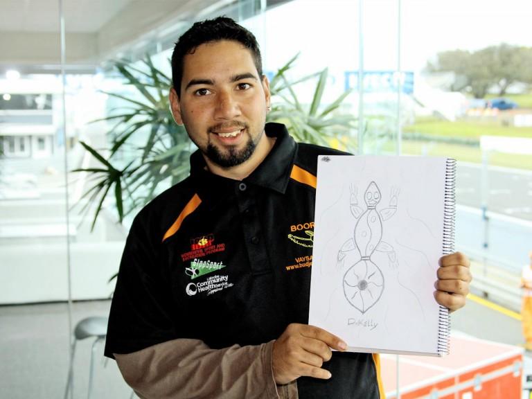 Aboriginal artist Ronald Edwards paints Vermeulen´s Helmet for Phillip Island