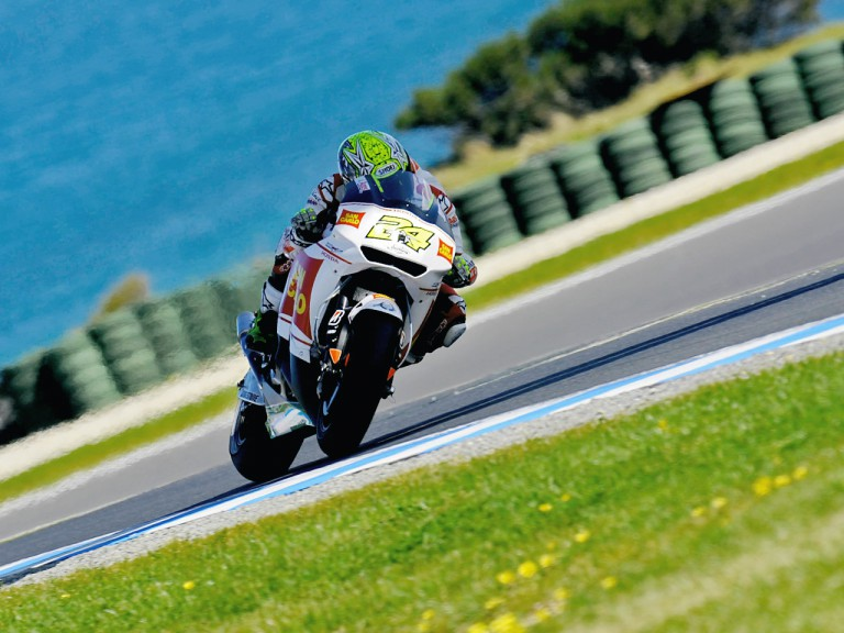 Toni Elias in action in Phillip Island
