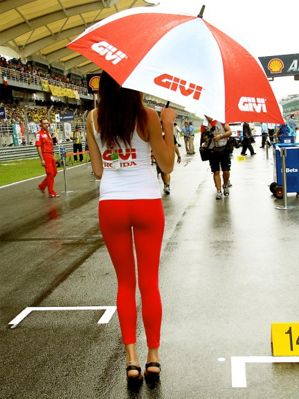Paddock Girls at the Shell Advance Malaysian Motorcycle GP