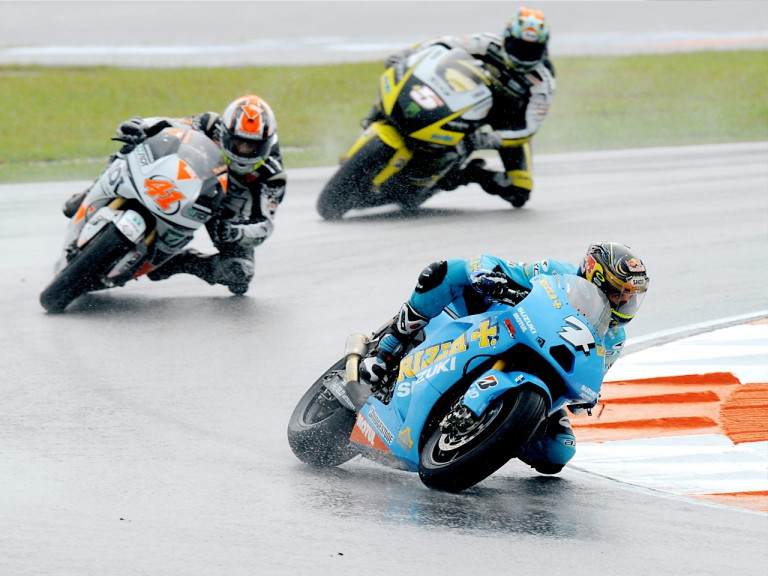 Vermeulen riding ahead of Talmacsi and Edwards in Sepang