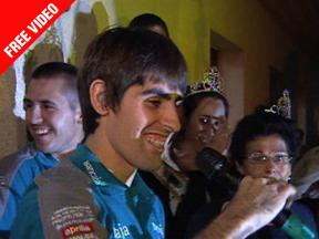 Champion Simón welcomed in his hometown