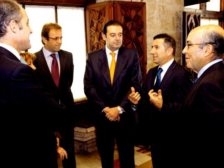 Dignitaries attend Valencia circuit contract renewal ceremony
