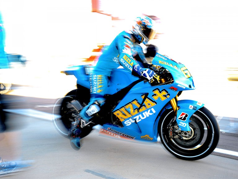 Loris Capirossi leaving Rizla Suzuki garage