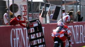 Casey Stoner's superb display at Valencia continued on Saturday afternoon, as the Australian secured pole position for Sunday's race.