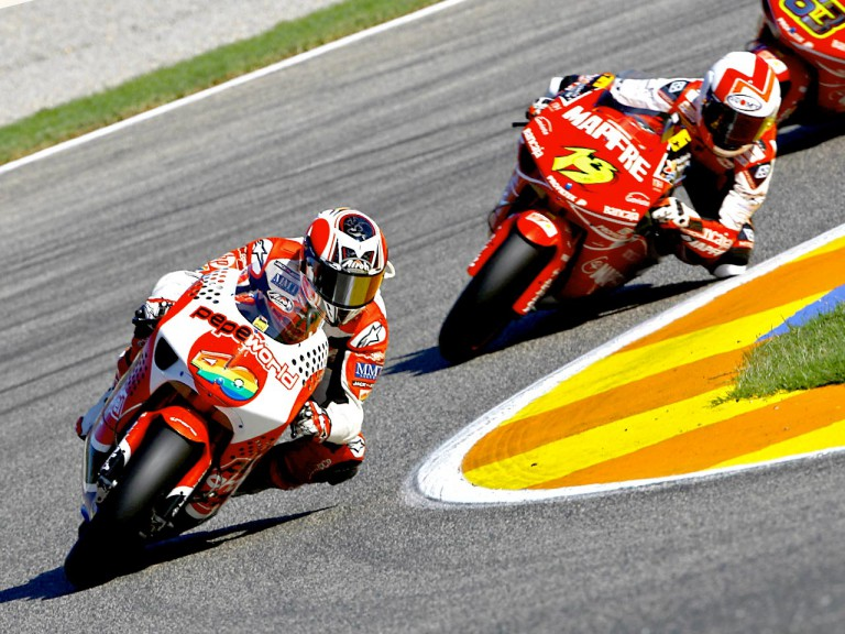 Barberá riding ahead of Bautista in Valencia
