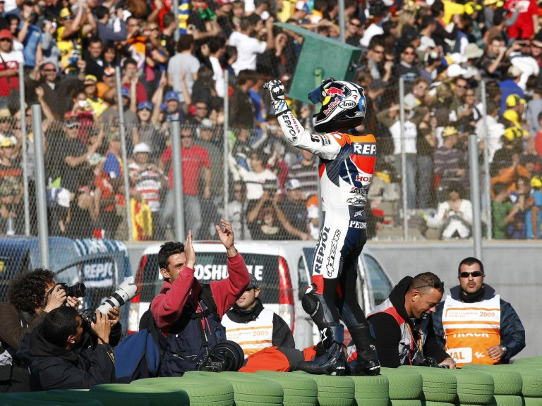 Pedrosa celebrates GP win in Valencia