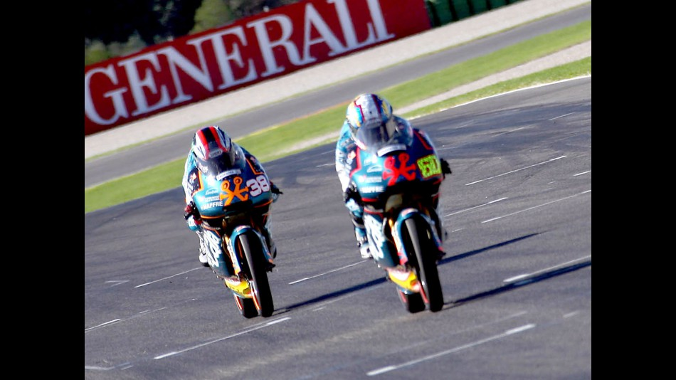 Simon and Smith in action in Valencia