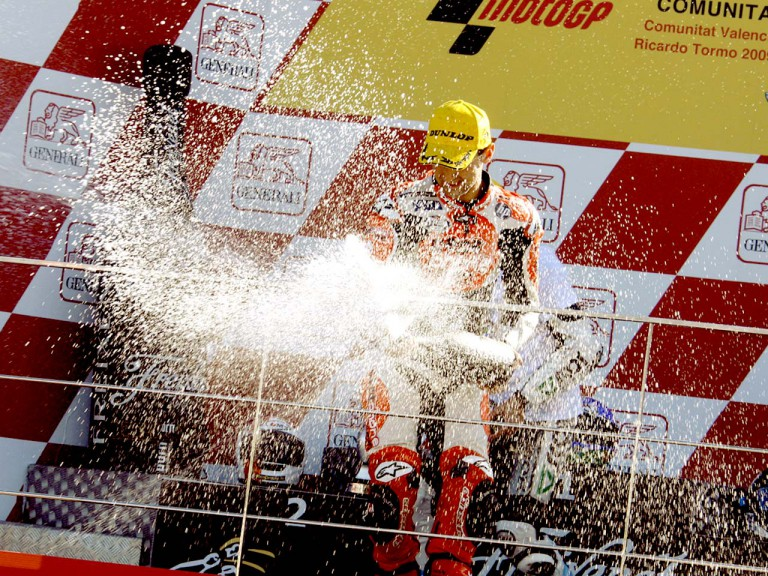 Héctor Barberá on the podium in Valencia