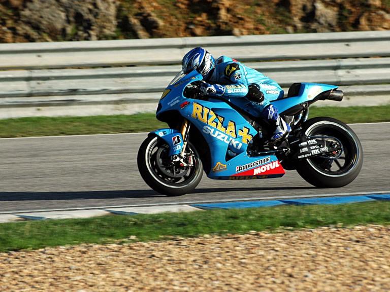 Aoki testing with Suzuki in Estoril