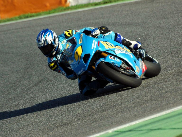 Aoki testing with Suzuki in Estoril