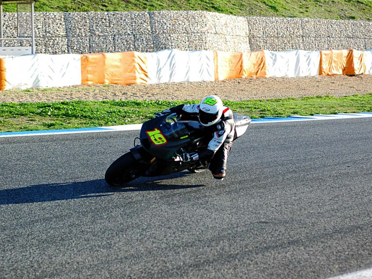 Bautista testing with Suzuki in Estoril
