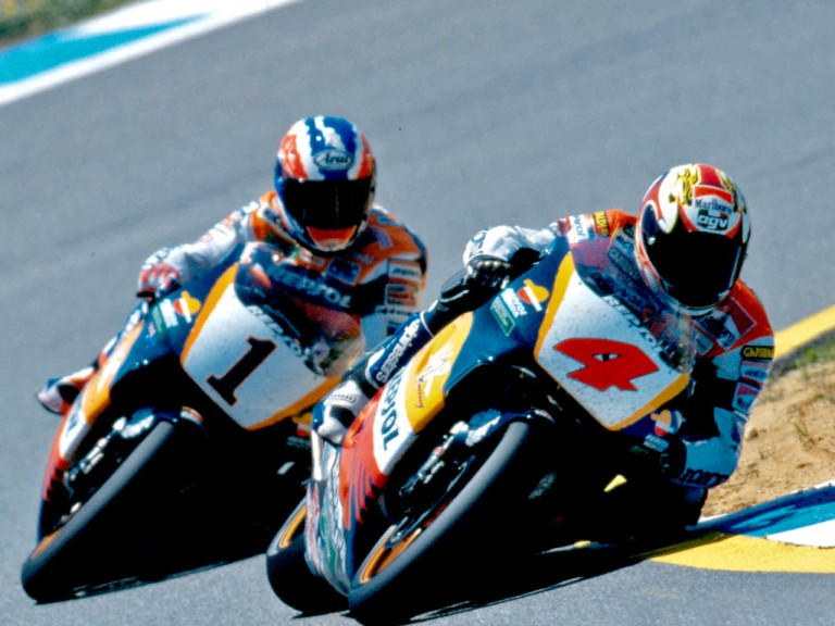 Mik Doohan and Alex Crivillé battling on the track