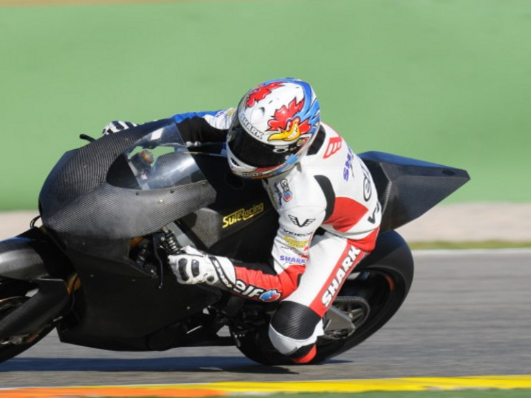 Cluzel testing in Valencia with Moto2 bike