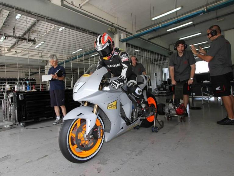 MotoGP test for Aoyama in Sepang