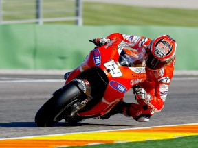 Nicky Hayden in action at Valencia test