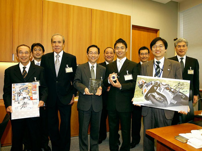 Hiroshi Aoyama visits Japanese Prime Minister´s residence