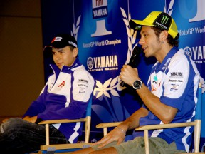 Yamaha´s Rossi and Lorenzo inThailand