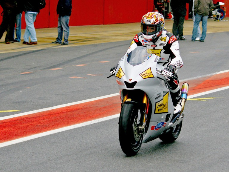 Thomas Luthi in the pit at the Catalunya test