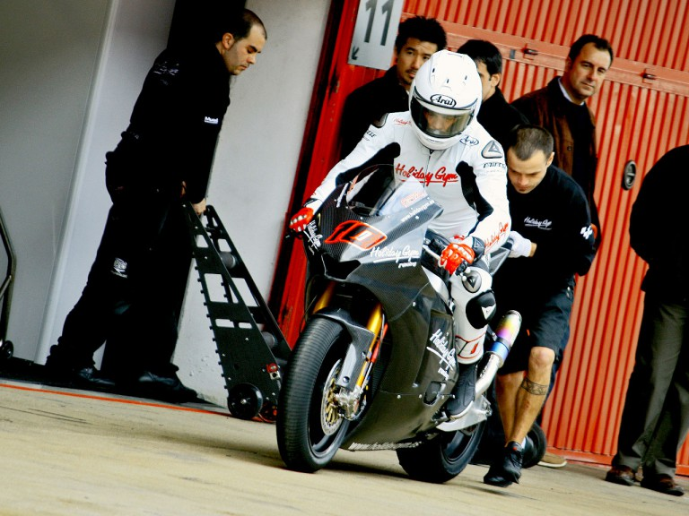 Fonsi Nieto in the pit at the Catalunya test