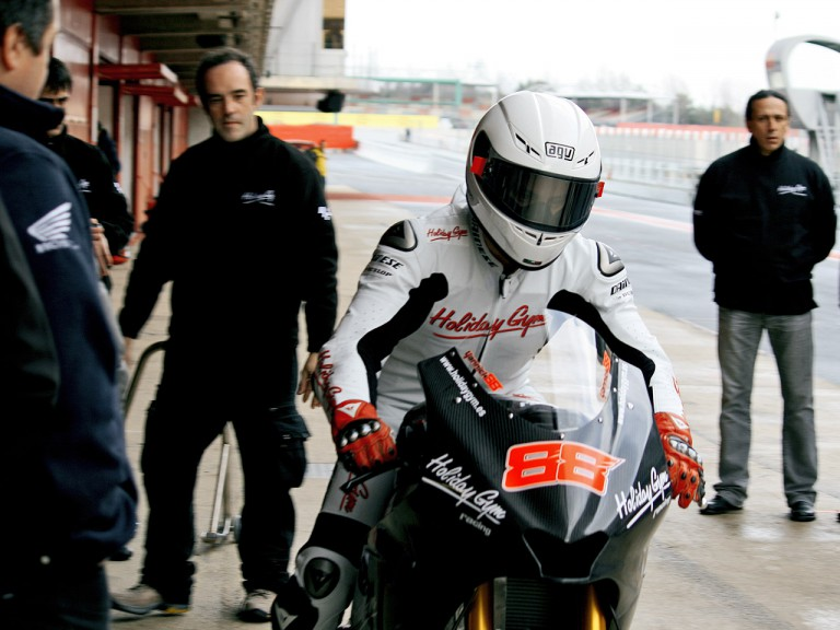 Yannick Guerra in the pit at the Catalunya test