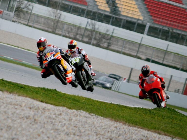 Action at the second day in Catalunya test