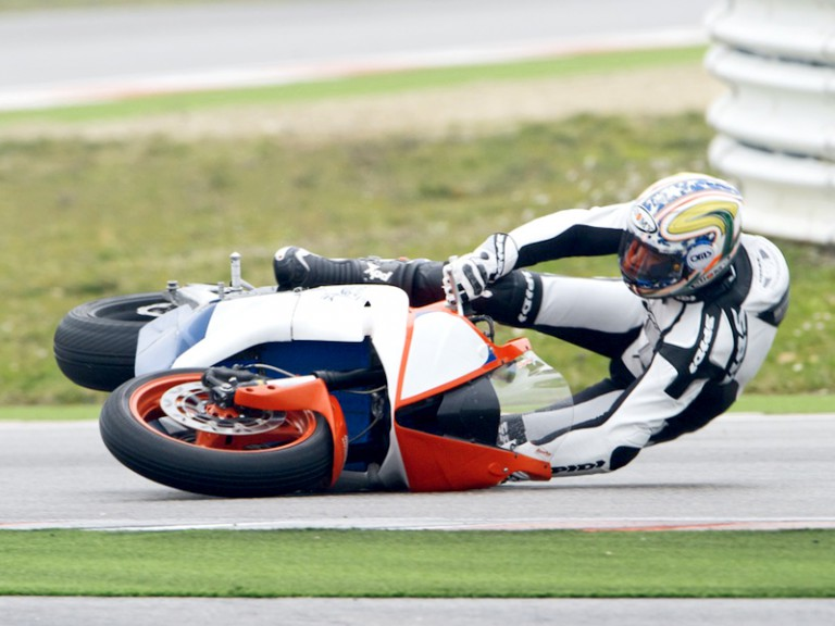 Niccolò Canepa crashes at the Moto2 test in Misano