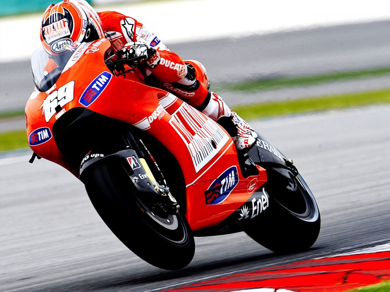 Nicky Hayden on the Desmosedici GP10 at Sepang test