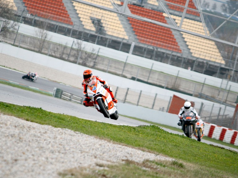 Moto2 group in action