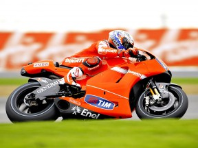 Casey Stoner in action in Silverstone