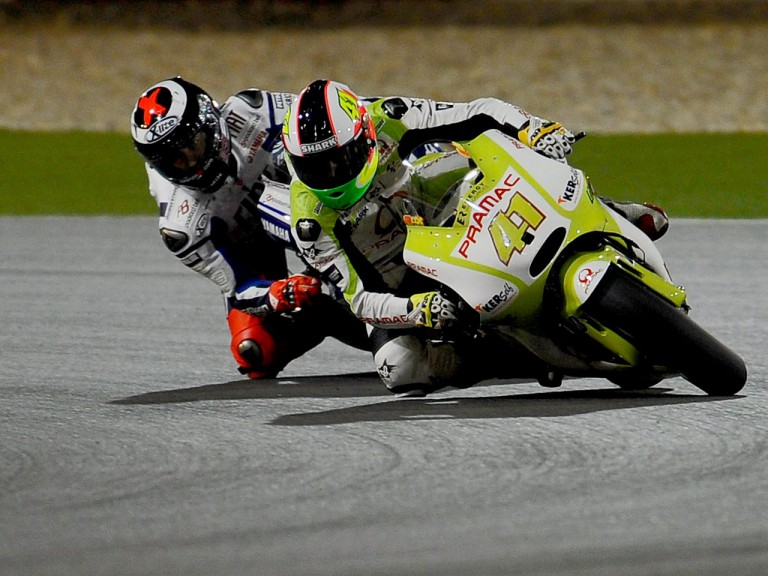 Espargaró and Lorenzo on track at the Qatar test