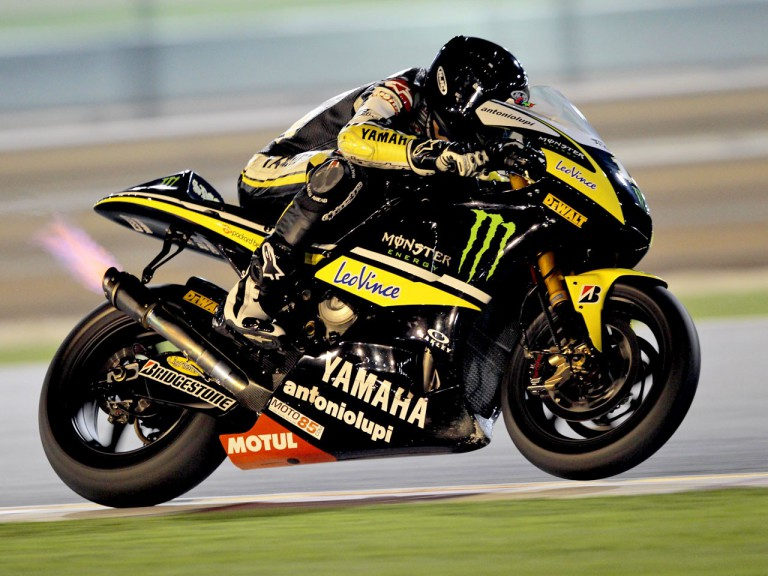 Action shot of Ben Spies at the Qatar test