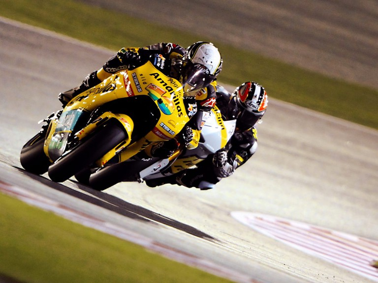 Héctor Barberá riding ahead of Aoyama in Qatar